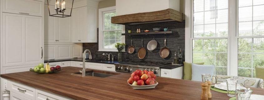 Большие кухни, стильные проекты.